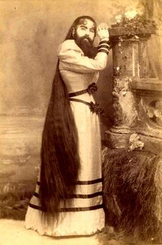 Rare Photos and the Story of Annie Jones, the Most Celebrated Bearded Lady of the Victorian Era Antique Photos, Vintage Photographs, Vintage Photos, Rare Photos, Old Photos, Vintage Circus Costume, Creepy Houses, Human Oddities, Bearded Lady