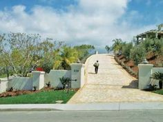 Pinterest the world s catalog of ideas for Steep driveway construction
