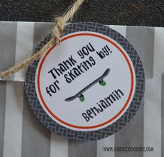 Skateboard Round Thank You Tag choose your wheel color… Drake's Birthday, Boys First Birthday Party Ideas, Skateboard Party, Baby Shower Camo, Skate Party, Party Planning, Party Time, Unique Baby, Bar Mitzvah