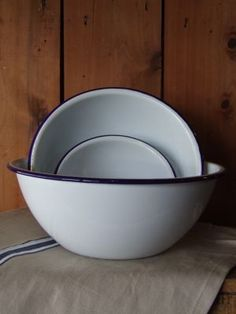Falcon Enamelware prepping bowl available in a set of three, or individually.