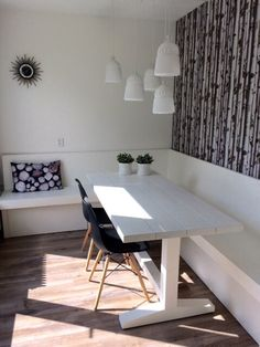Kitchen Booths, Kitchen Banquette, Staff Room, Tiny Studio, Dining Room, Dining Table, Smart Kitchen, Scandinavian Home, Cafe Restaurant