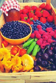 lähiruokaa mansikka herne kantarelli superfood mustikka vadelma