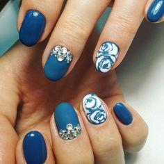 Adult nails, Autumn nails, Christmas nails, Evening nails, Evening short nails, Nail designs with pattern, Nails with rhinestones ideas, New Year nails 2017
