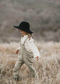 Adorable boho hat for kids Trendy linen romper Kids Fashion Boy, Little Girl Fashion, Toddler Fashion, Fall Fashion, Fashion 2016, Trendy Fashion, Vintage Fashion, Hippie Hut, Hippie Kids