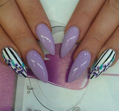 Nail art. Stiletto nails.