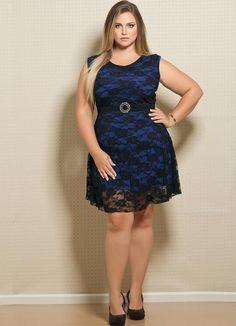 Vestido em Renda Plus Size Preto e Azul - Posthaus