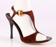 GUCCI DARK BROWN SUEDE LEATHER T-STRAP STRAPPY SANDALS HEELS SHOES SZ 9 B #Gucci #Strappy