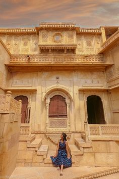 Instagrammable Places of Jaisalmer- Photo Diary - The Wicked Soul Travel Destinations In India, India Travel, Tourism India, India Architecture, Historical Architecture, Gothic Architecture, Ancient Architecture, Travel Pictures, Travel Photos