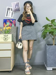 New Clothes Korean Kpop Shoes Ideas Korean Fashion Trends, Korea Fashion, Asian Fashion, Girl Fashion, Womens Fashion, Fashion Design, Ulzzang Fashion, Dope Outfits, New Outfits