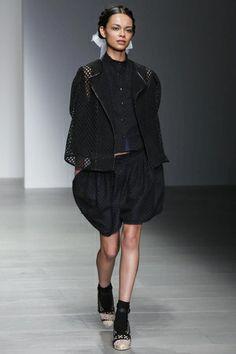 Bora Aksu Ready To Wear Fall Winter 2014 London - NOWFASHION