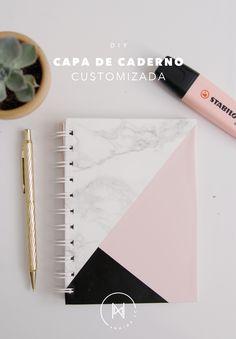 Como customizar um caderno de forma super fácil, só usando contact pra ele ficar estiloso para a volta as aulas! Diy Cape, Papel Contact, Teen Stuff, Mary Kay, Notebook, Videos, Shape, School Supplies, Sharpies