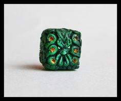 Cthulhu dice for the discerning gamer! Just D6s for now. Might make more later for other RPGs. Mmm. Gaming. =3