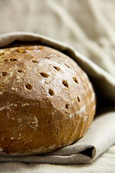 I felt like a good mixed bread, as I know it from some local bakeries. Apart from sourdough and a […] Bread Bun, Rye Bread, Bread Rolls, Easy Baking Recipes, Honey Recipes, Sourdough Bun Recipe, German Bread, Baking Company, Artisan Bread