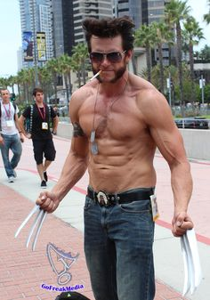 GoFreakMedia's Hot Sexy Cosplay Wolverine goes shirtless at San Diego Comic-Con 2014! #SDCC
