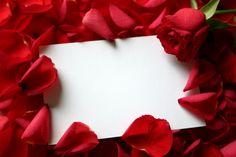 Who Is Saint Rose | Carte vierge avec pétales de roses pour votre Valentin!