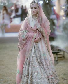 Pakistani Wedding Outfits, Indian Bridal Outfits, Wedding Dresses For Girls, Beautiful Pakistani Dresses, Pakistani Dress Design, Walima Dress, Designer Bridal Lehenga, Bridal Dress Design, Costume