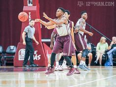 Aggie men's basketball looks solid but scrimmage lacked fans the team deserved. C'mon Aggies. Show your 12th Man support for the Aggie men's basketball team. They're waiting for you! #examinecom #texasaggies #aggiemensbasketball #reedarena #rockreed #reedrowdies