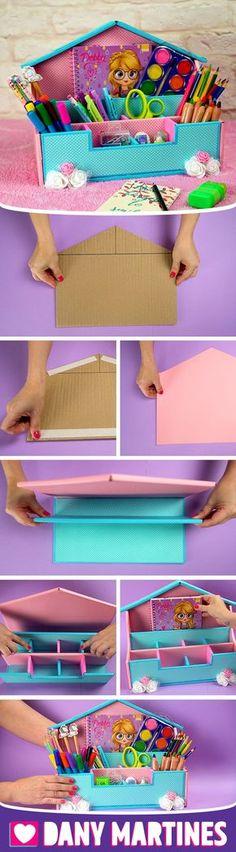 Faça você mesmo um Organizador de Papelão, reciclando, lixo ao luxo, canetas, lapis, volta as aulas, material escolar, fofinho, casinha, fácil de fazer, gastando pouco, DIY, Do it yourself, Dany Martines Diy Crafts For Girls, Diy Crafts Hacks, Diys, Paper Crafts For Kids, Diy Home Crafts, Diy Arts And Crafts, Bedroom Crafts, Cardboard Box Crafts, Paper Crafts Origami