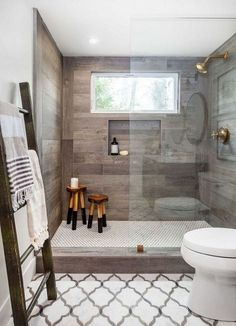 Modern rustic farmhouse style master bathroom ideas (50)