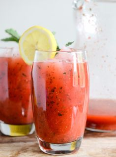 Fresh strawberry mint lemonade  #cowgirl #cowgirldrinks   http://www.islandcowgirl.com/