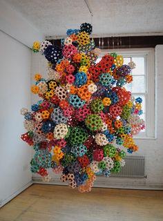 construct  paper sculpture