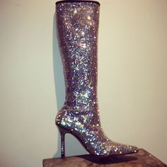 #cfdaSwarovski #NYFW #boots