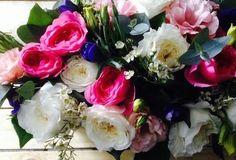 Rosas, blancos y azules #flores
