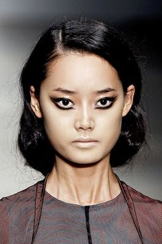 Graphic liner allows you to play around with makeup and create dramatic eye effects.