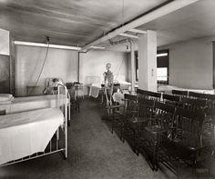 "Takoma Park, Maryland, circa 1928. ""Washington Sanitarium classroom."""