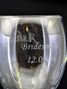 Etched Bridesmaid Wedding Wine Glass Design