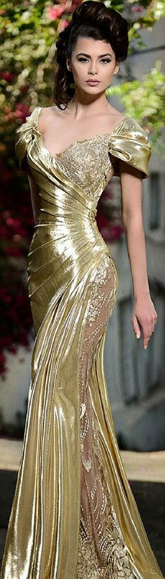 Post by Ultrachicfille ( on gold, gowns Evening Dresses, Prom Dresses, Formal Dresses, Gold Evening Gowns, Vintage Evening Gowns, Beautiful Gowns, Beautiful Outfits, Elegant Dresses, Pretty Dresses