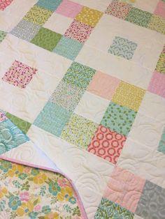 Charm Pack Quilt Patterns, Vintage Quilts Patterns, Charm Pack Quilts, Charm Quilt, Beginner Quilt Patterns, Baby Quilt Patterns, Quilting For Beginners, Quilt Tutorials, Quilting Patterns
