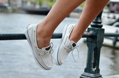 Sperry - witte bootschoenen €79,99 #sperry #invito #boatshoes