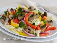 Raw šalát so šampiňónmi Caprese Salad, Vegan, Chicken, Health, Diets, Food, Red Peppers, Health Care, Essen
