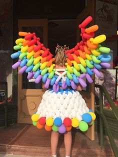 Twisting Balloons, Mini Balloons, Rainbow Balloons, Balloon Dress, Red Balloon, Realistic Costumes, Balloon Pictures, Recycled Dress, Pride Parade