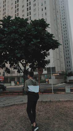 Boy Images, Boy Pictures, Couple Pictures, Korean Boys Ulzzang, Ulzzang Boy, City Aesthetic, Couple Aesthetic, Cute Relationship Goals, Cute Relationships
