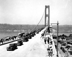 Tacoma Narrows Bridge on opening day, 1 July 1940 (public domain, University of Washington Libraries Digital Collections). The bridge would collapse in a windstorm on 5 November Tacoma Washington, Western Washington, Washington State History, Evergreen State, Suspension Bridge, Construction, Pacific Northwest, Old Photos, Images