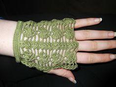 Bats in My Belfry: Fingerless Lace Glove - Free Pattern
