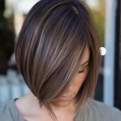 Sleek Ash Brown Balayage Bob Chic box style with baby lights in a delicate ash brown or a bolder cinnamon hair color. Brown Balayage Bob, Brown Hair With Lowlights, Brown Hair With Highlights, Brown Hair Colors, Brown Blonde, Blonde Balayage, Color Highlights, Ash Brown, Balayage Straight