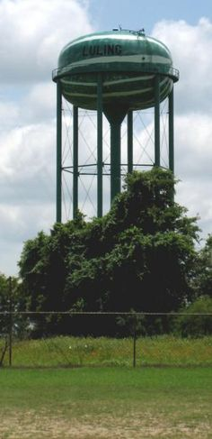 This 154-ft water tower is a year-round reminder of the importance of watermelon in a rural town of 5,000 in Southeastern Texas.