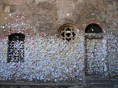 """lacewings: """"Love letters in Italy (via) """""""
