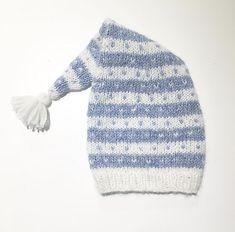 Ravelry: Hans og Gretes nissetopplue pattern by Elin Lovisa Backman Beanie Knitting Patterns Free, Crochet Patterns, Free Baby Stuff, Baby Hats, Ravelry, Knitted Hats, Free Pattern, Knit Crochet, Men Sweater