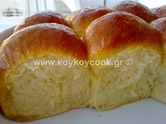 BREAD ROLLS WITH BUTTER AND HONEY Bread Rolls, Honey, Butter, Breads, Food, Rolls, Eten, Bread, Dinner Rolls