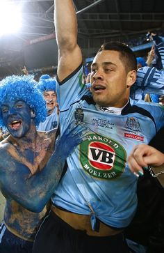 An emotional Jarryd Hayne is embraced by NSW fans after the State of Origin victory at AN National Rugby League, Rugby Men, Tears Of Joy, Football Players, Jarryd Hayne, Cheerleading, Victorious, Blues, Soccer