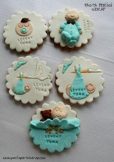 hoşgeldin bebe kurabiyeleri- Levent Tuna Baby Cookies, Baby Shower Cupcakes, Shower Cakes, Baby Shower Pasta, Baby Shower Treats, Fondant Flower Cake, Fondant Bow, Fondant Cakes, Cake Decorating Videos