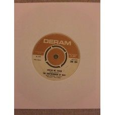 """7"""" 45RPM United We Stand/Say A Prayer by The Brotherhood Of Man from Deram (DM 284)"""