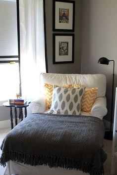 Cozy corner, cozy house, guest bedrooms, guest room, home decor inspiration Cozy Bedroom, Bedroom Decor, Bedroom Corner, Bedroom Ideas, Bedroom Bed, Stylish Bedroom, Bedroom Small, Bedroom Lamps, Wall Lamps