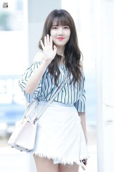 Gfriend Yerin in Airport . Kpop Girl Groups, Korean Girl Groups, Kpop Girls, K Pop, G Friend, Airport Style, Airport Fashion, Korean Actors, Korean Idols
