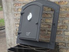 puertas de hornos de leña - Buscar con Google Grill Station, Outdoor Spaces, Pizza Ovens, Google, Deck, Wood Burning Oven, Ovens, Doors, Houses