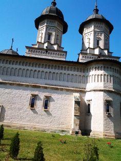 Biserica Cetatuia Moldova, Romania, Christian, Mansions, House Styles, Manor Houses, Villas, Mansion, Christians